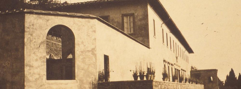 Photograph of the backside of Villa in 1913